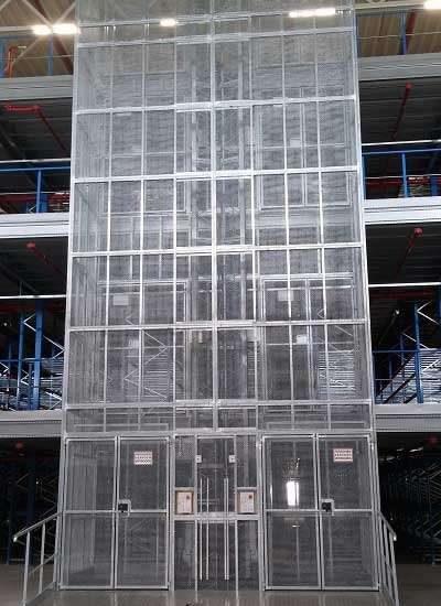 Magazijnlift in distributiecentrum XPO-Tilburg - De Jong's Liften