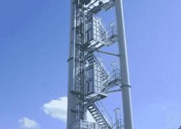 Industriële lift van De Jong's Liften met smeersysteem voor veilgheid en duurzaamheid van de liften