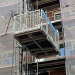 Vervoer van goederen op bouwproject - bouwlift AT50 en AT75 - De Jong's Liften