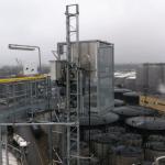 Personen-/goederenlift PT500A in industriële omgeving - De Jong's Liften