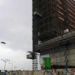 Personen en goederen vervoeren tot 150 meter hoogte - Personen-/goederenlift PT2000A - De Jong's Liften