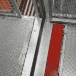 Magazijnlift met blokkeringsklep - veilig vervoer van goederenkarren- De Jong's Liften