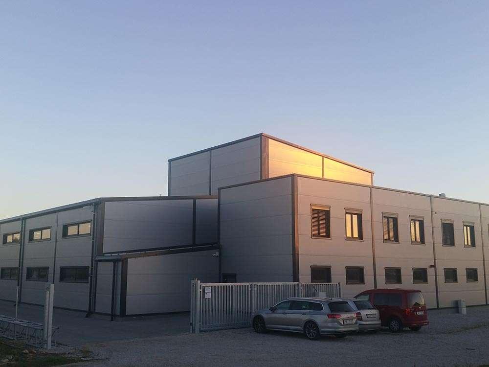 De nieuwe productiefaciliteit van De Jong's Liften in Tsjechië.